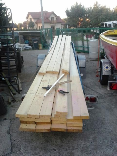 drewno na stojak